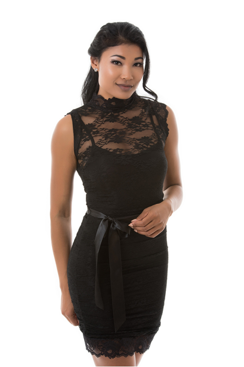 Csipkerátétes garbós koktélruha, fekete
