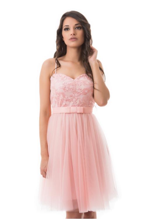 Barokk mintás, tüllös koktélruha, rózsaszín