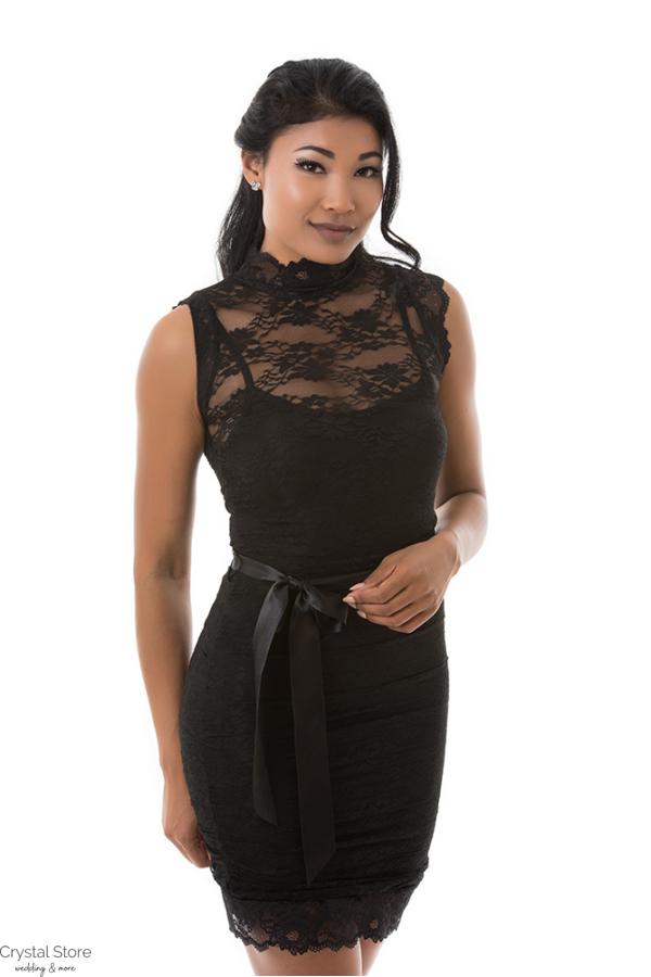 Csipkerátétes garbós koktélruha fekete